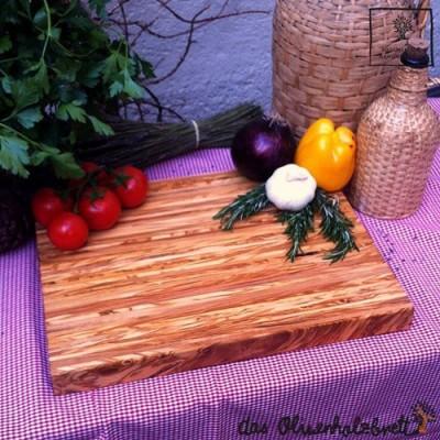 Schneidebrett Olivenholz, massiv, rechteckig und mit gerundeten Kanten